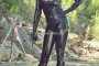 hot-sweaty-summer-day-in-total-latex-enclosure-42