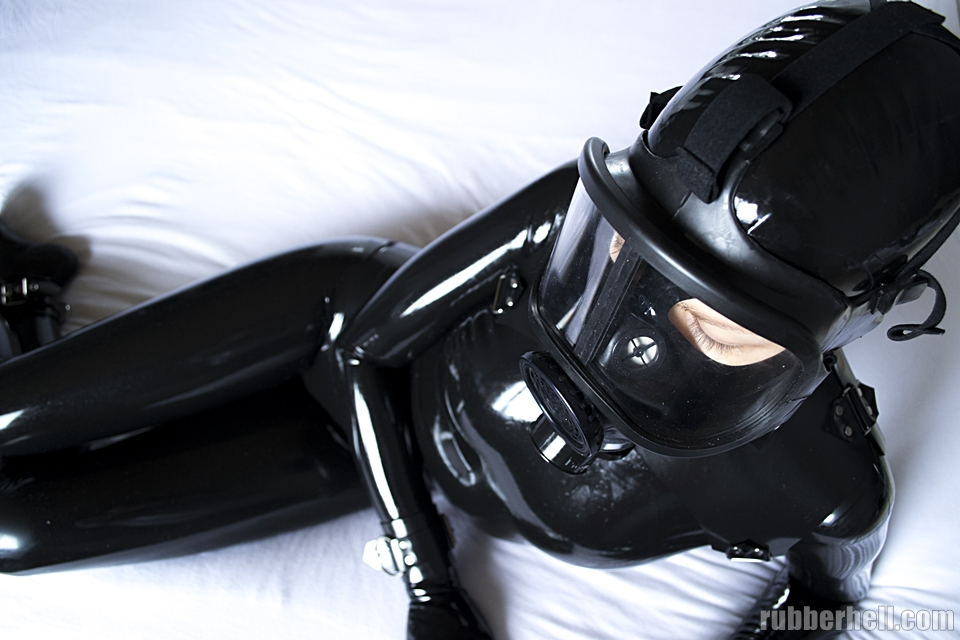 black-latex-cm5d-dsc_0151