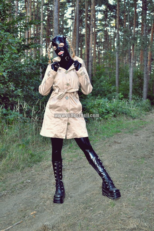 walking-by-the-shadow-of-forest-in-full-rubber-enclosure-rubberhell-03