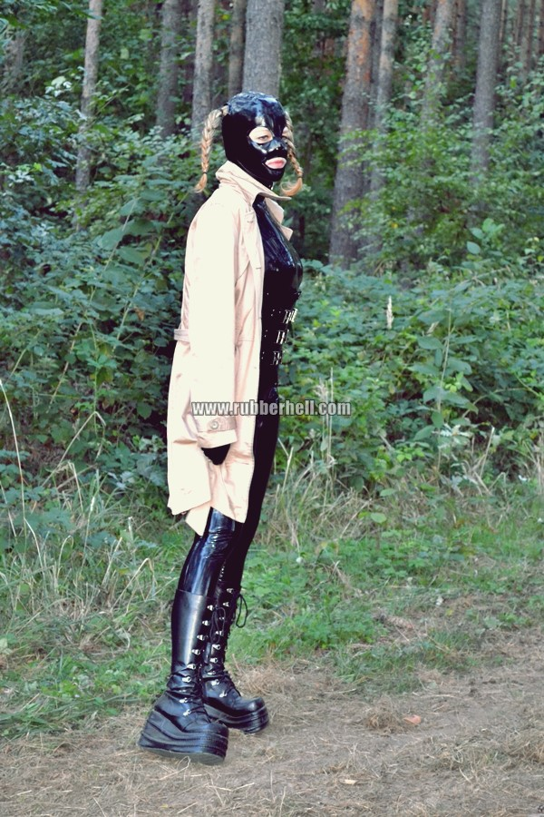 walking-by-the-shadow-of-forest-in-full-rubber-enclosure-rubberhell-07