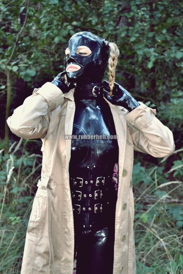 walking-by-the-shadow-of-forest-in-full-rubber-enclosure-rubberhell-13