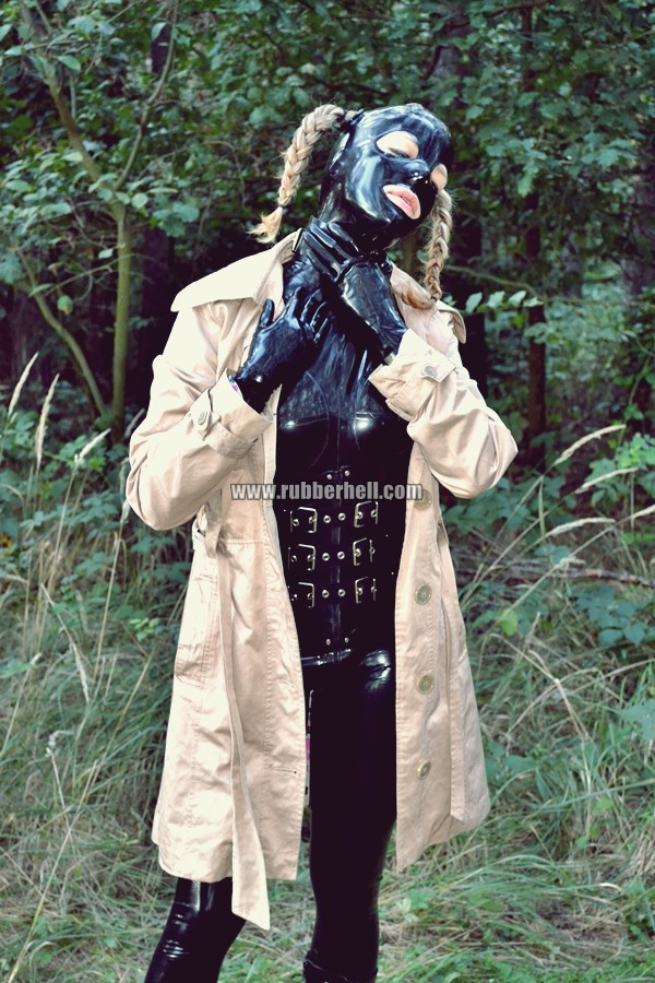walking-by-the-shadow-of-forest-in-full-rubber-enclosure-rubberhell-14