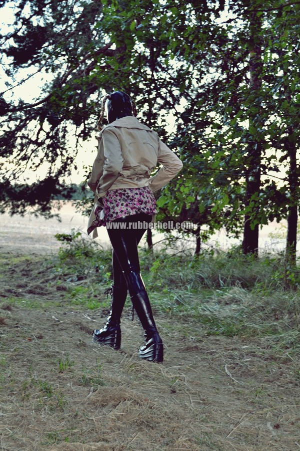 walking-by-the-shadow-of-forest-in-full-rubber-enclosure-rubberhell-21