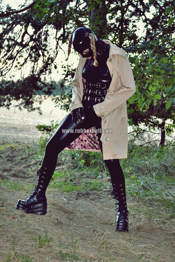 walking-by-the-shadow-of-forest-in-full-rubber-enclosure-rubberhell-24
