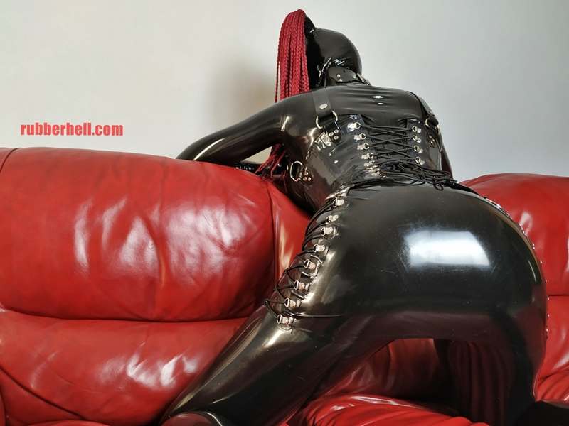 full-latex-doll-sofa-full-latex-doll-sofa-img_20180920_204436