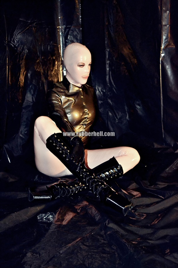 inflatable-rubber-toy-and-high-heels-55