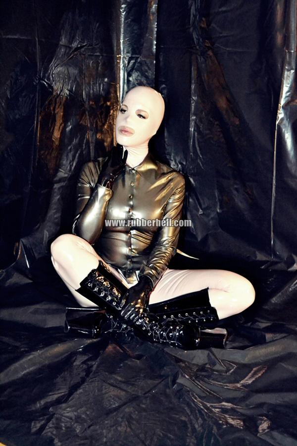 inflatable-rubber-toy-and-high-heels-59