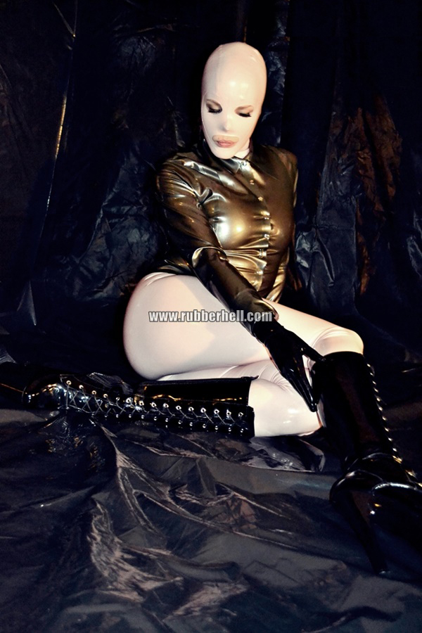 inflatable-rubber-toy-and-high-heels-64