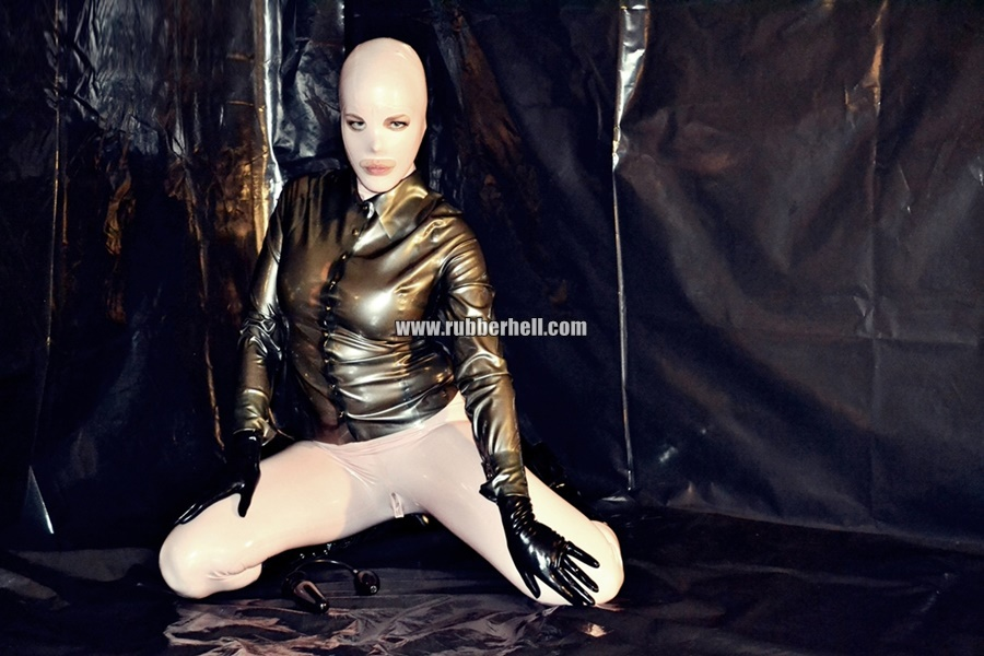 inflatable-rubber-toy-and-high-heels-14