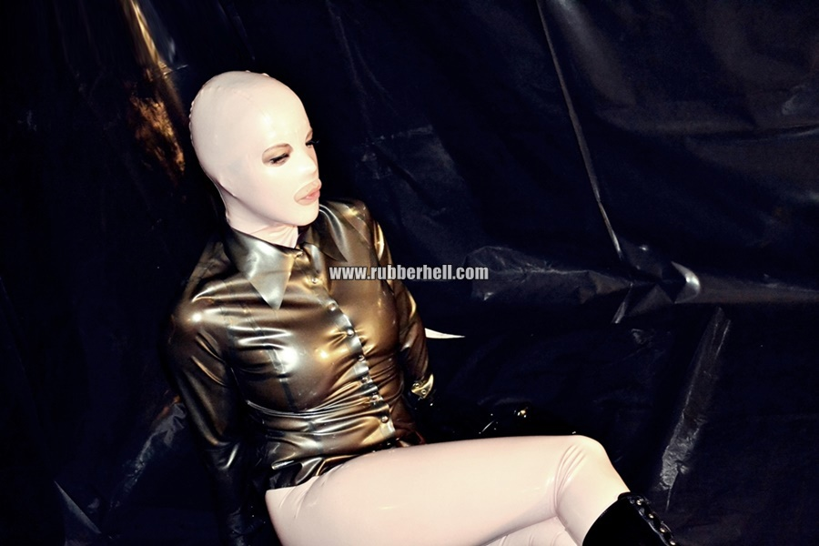 inflatable-rubber-toy-and-high-heels-36
