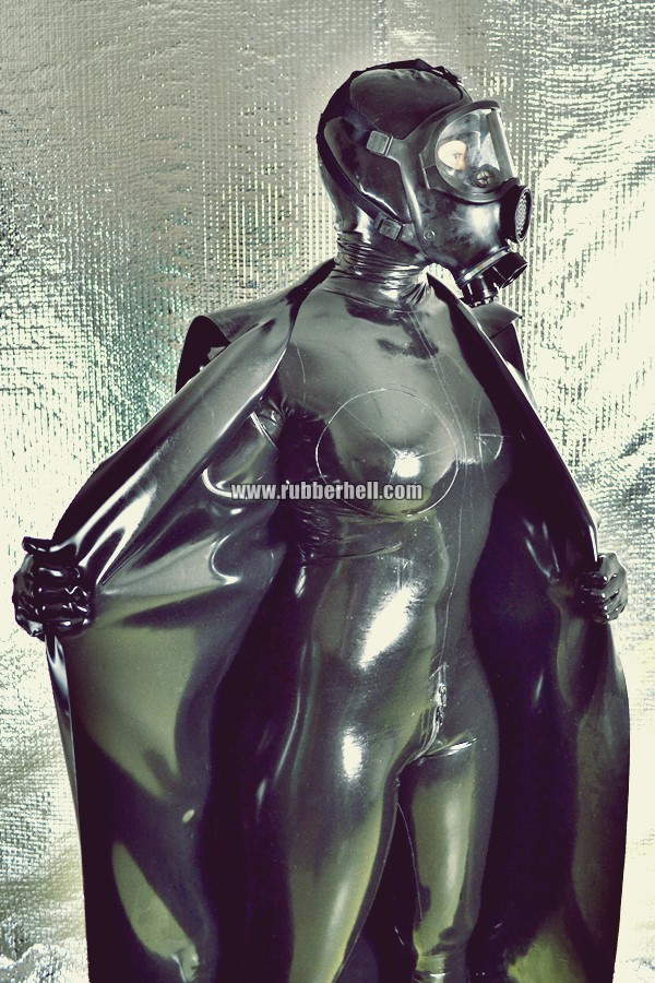 heavy-rubber-coat-and-gasmask-rubberhell-32