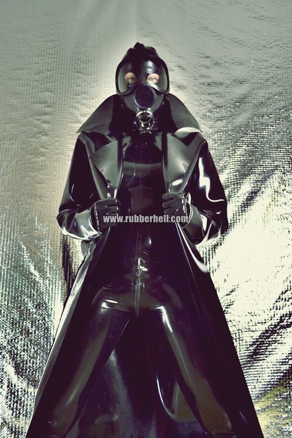 heavy-rubber-coat-and-gasmask-rubberhell