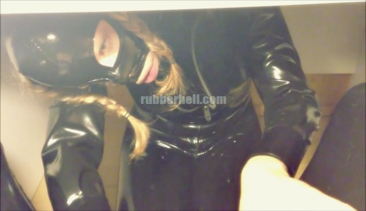 rubberdoll-under-the-table-rubberhell-
