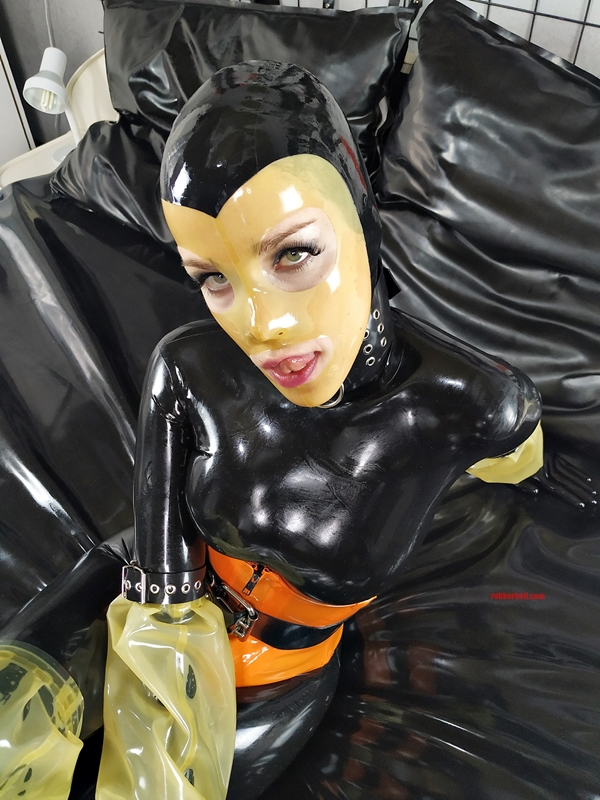 latex-catsuit-pervy-domina-rubber-43