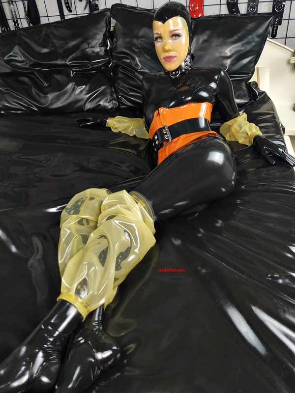 latex-catsuit-pervy-domina-rubber-54