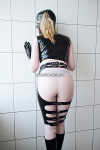 pink-rubberdoll-in-white-room-14